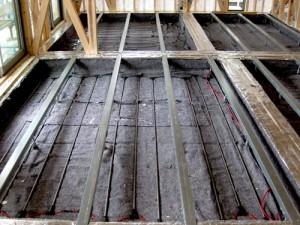 鋼製大引の設置