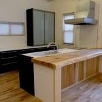 秋田杉一枚板のキッチンカウンター
