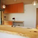 桧の一枚板のキッチンカウンター