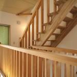 ロフトへは固定階段で行けるので便利
