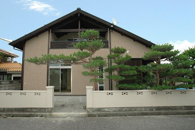 長年育てた松と新しい家が見事に調和