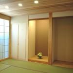 やわらかな光が差し込む和室