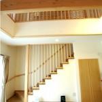 格子の美しい階段