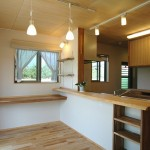 03 赤松の一枚板のキッチンカウンター