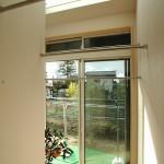09 サンルームは天窓付きで長時間の日当たりを確保