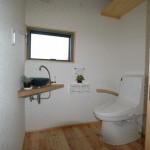 09 介助のしやすい広いトイレ