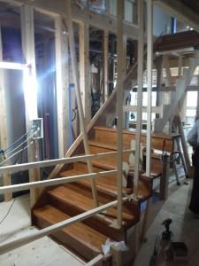 階段建て込み