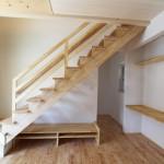 ロフトへ続く固定階段