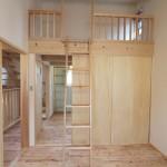 ロフトベッド付きの子供部屋