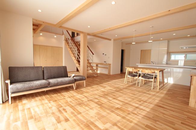 ライフスタイルを尊重し合う2世帯住宅、外断熱の家