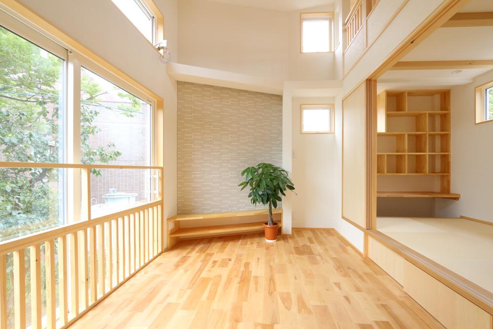 18.43坪の敷地に建つ、木の香りがする心地よい家