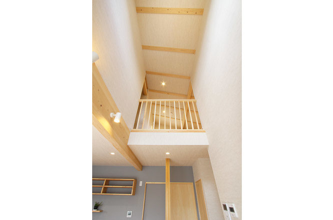 202004-s-Stairwell2