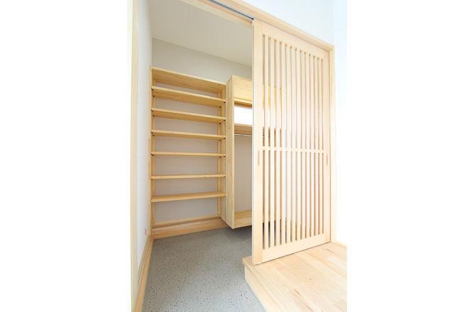 202005-S-Entrance-storage2