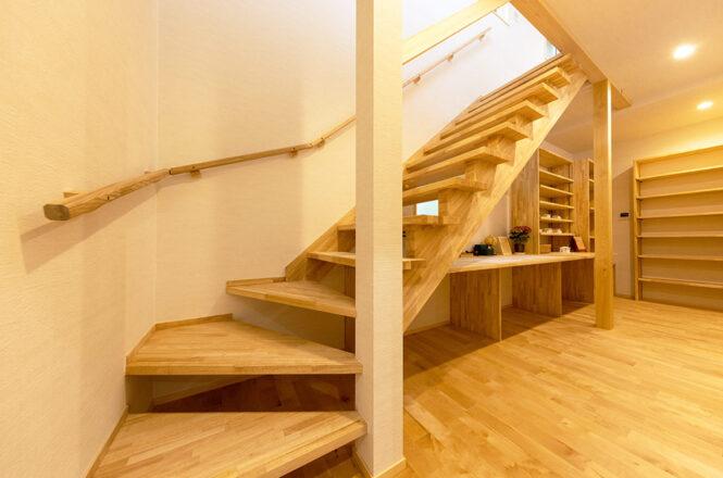 202104-y-Stairs
