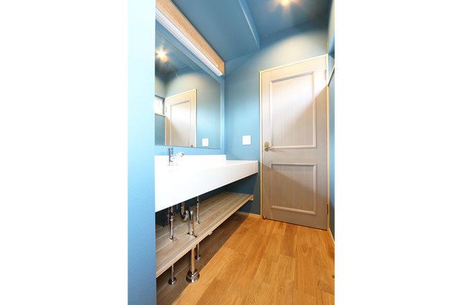 202106-w-bathroom2