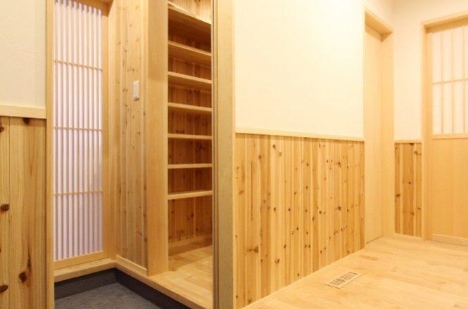 玄関→内玄関→キッチンへ