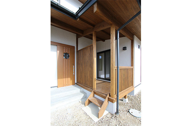 _Entrance-wood-deck2