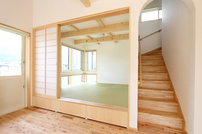 Japanese-style-room-entrance